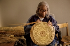 Mary Jackson weaving sweetgrass